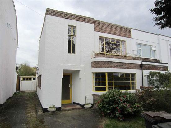 Three-bedroom 1930s art deco house in Nuneaton, Warwickshire