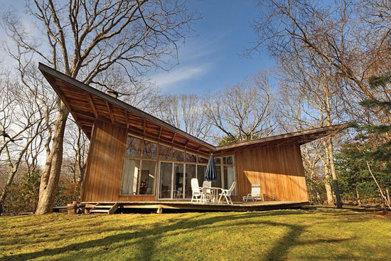 On the market: 1960s Henry T. Howard-designed The Butterfly House in East Hampton, New York, USA