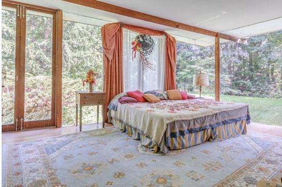 1960s John Terrance Kelly-designed midcentury modern property in Chardon, Ohio, USA