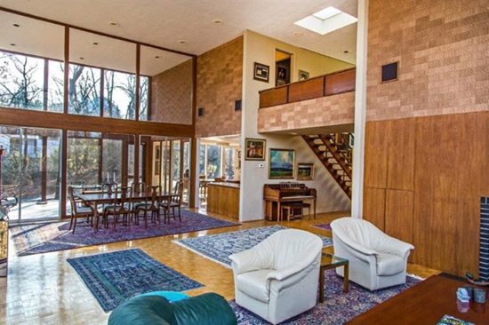1960s modernist property in Cincinnati, Ohio, USA