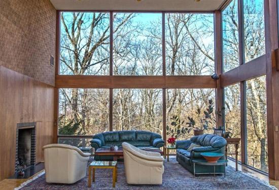 1960s modernist property in Cincinnati, Ohio, USA