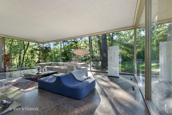 1960s H.P. Davis Rockwell House in Olympia Fields, Illinois, USA