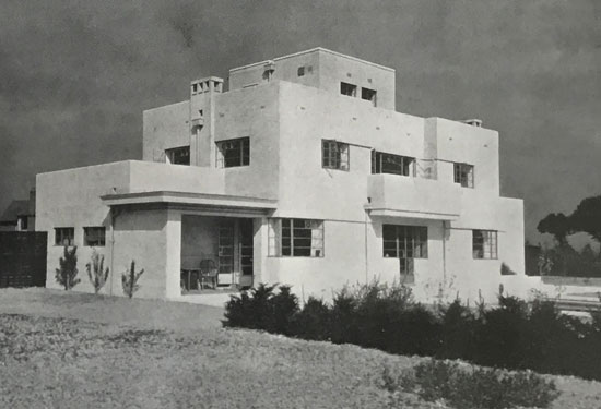 Thomas Tait modern house in Newbury, Berkshire in thr 1930s