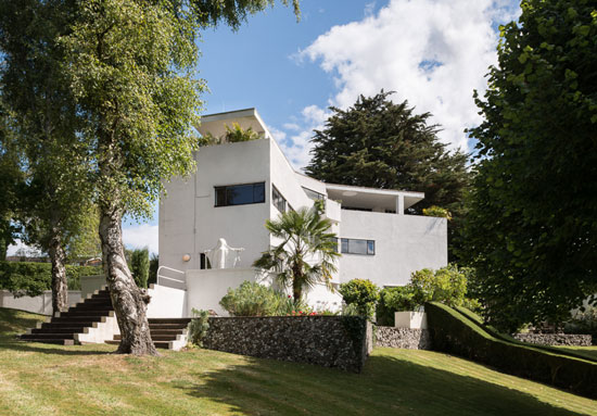 1920s Amyas Connell-designed High & Over modernist house in Amersham, Buckinghamshire