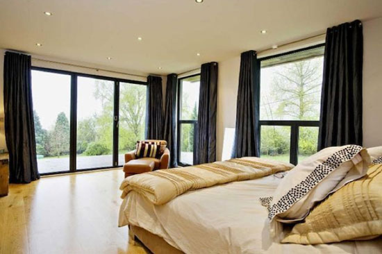 Six-bedroom contemporary modernist property in Horspath, Oxford, Oxfordshire