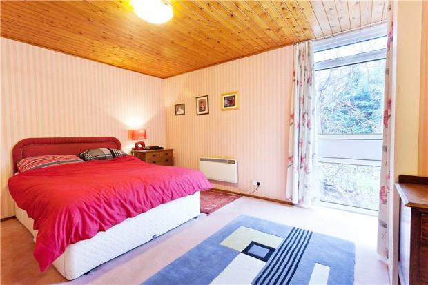 Five-bedroom modernist property in Henley-On-Thames, Oxfordshire