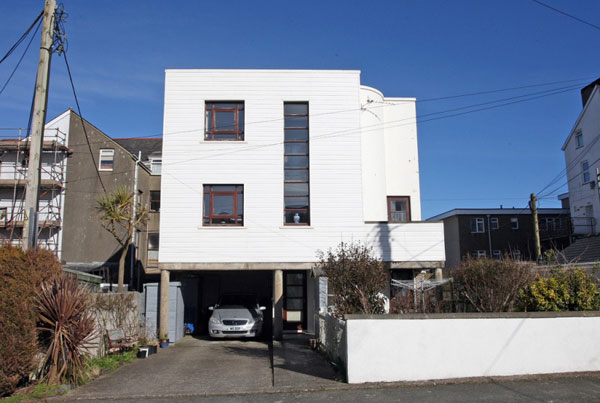 1980s modernist house in Pwllheli, North Wales