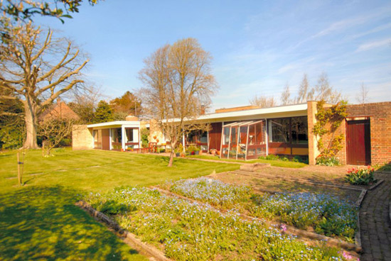 Palladio 1950s modernist property in Hythe, Kent