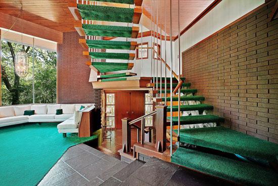 1960s midcentury modern house in Palos Park, Illinois, USA