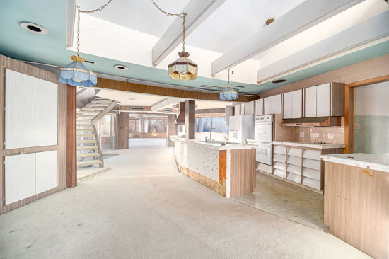 1950s time capsule with bowling alley in Palos Park, Illinois