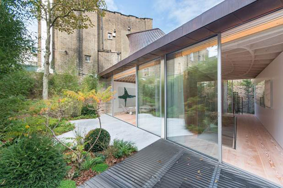 Gianni Botsford Pavilion modernist house in London W11