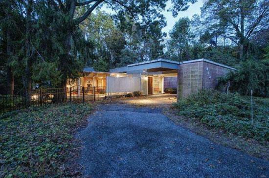 On the market: 1960s Thaddeus Longstreth-designed modernist property in Yardley, Pennsylvania, USA