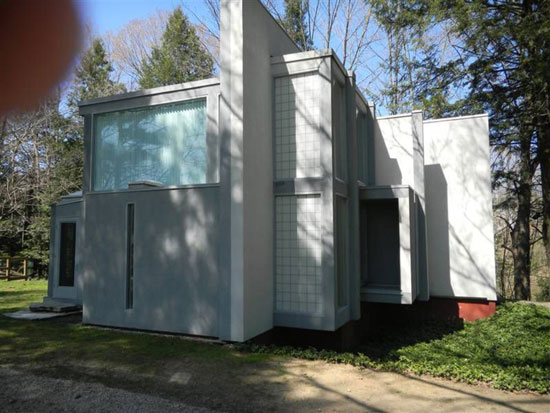 1970s Peter Eisenman-designed House VI modernist property in West Cornwall, Connecticut, USA