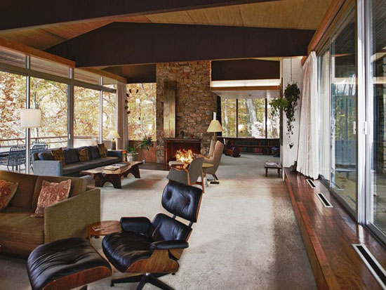 1960s Richard Neutra-designed Pitcairn House in Huntingdon Valley, Pennsylvania
