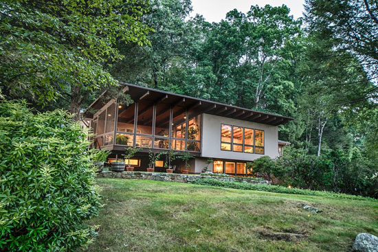 On the market: 1950s midcentury modern property in Pound Ridge, New York, USA
