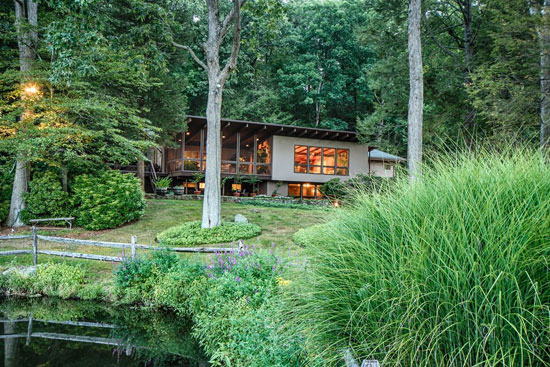 1950s midcentury modern property in Pound Ridge, New York, USA
