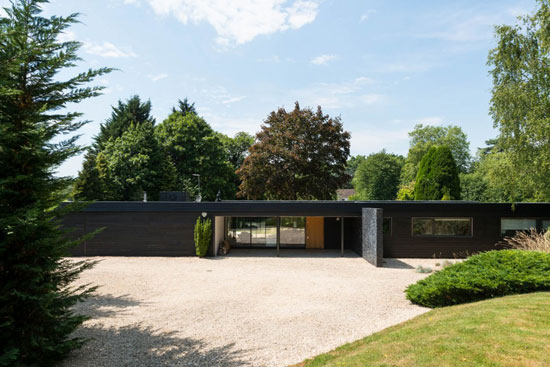 1950s single-storey modernist property in Stoke Poges, Buckinghamshire