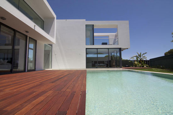 Vasco Vieira-designed four-bedroom modernist property in Vale do Lobo, Portugal