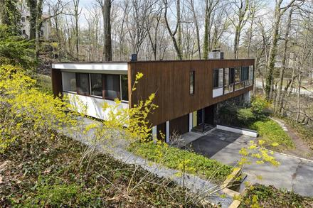On the market: 1950s William Landsberg-designed modernist property in Port Washington, New York, USA