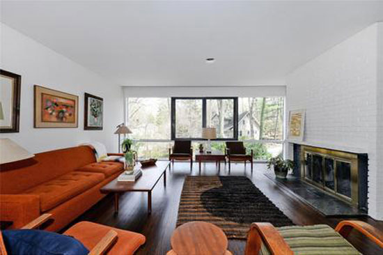 1950s William Landsberg-designed modernist property in Port Washington, New York, USA