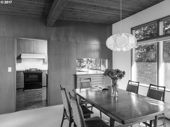 1950s midcentury modern: Van Evera Bailey-designed property in Portland, Oregon, USA