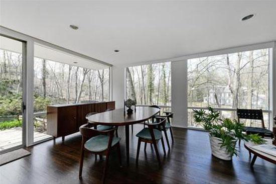 1950s William Landsberg-designed modernist property in Port Washington, New York, USA
