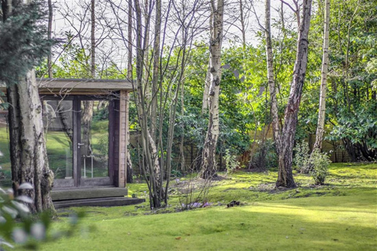 1980s modernism: Five-bedroom property in Pulborough, West Sussex