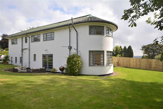 Cranworth 1930s art deco property in Quarndon, Derbyshire
