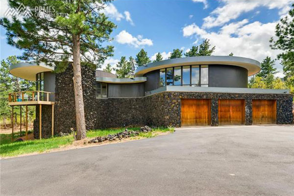 Circular modernism: 1970s Don Price-designed property in Colorado Springs, Colorado, USA
