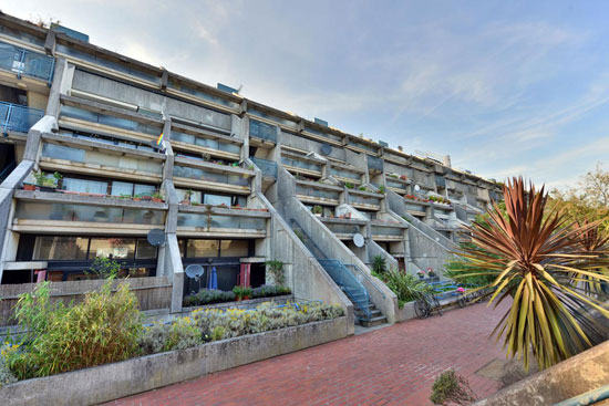 1970s brutalism: Neave Brown-designed brutalist apartment in Rowley Way, London NW8