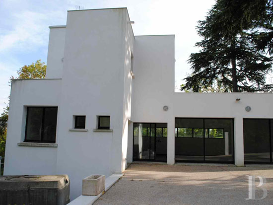 1920s Robert Mallet-Stevens-designed modernist property in Yvelines, France