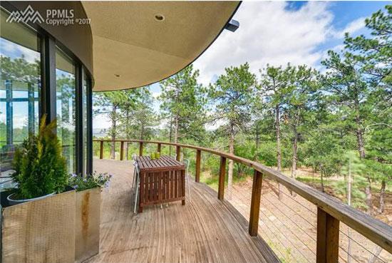 Circular modernism: 1970s Don Price-designed property in Colorado Springs, Colorado, USA