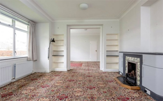 Three-bedroom apartment in the Ravelston Garden art deco building in Ravelston, Edinburgh
