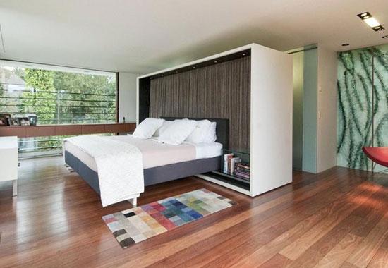 Four-bedroom contemporary modernist property in Radlett, Hertfordshire