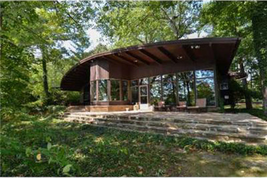 On the market 1950s Otto F. Seeler-designed midcentury modern property in South Bend, Indiana, USA