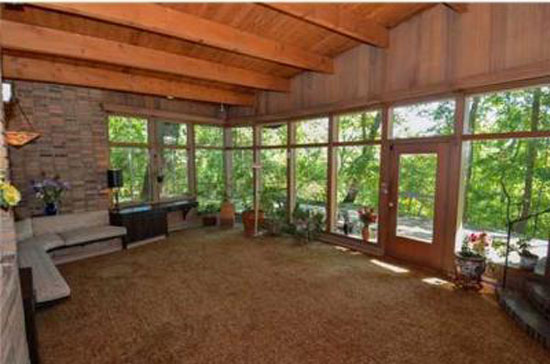 1950s Otto F. Seeler-designed midcentury modern property in  South Bend, Indiana, USA