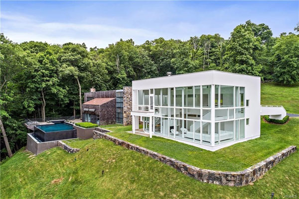 1970s Richard Meier Shamberg House in Mount Kisco, New York, USA