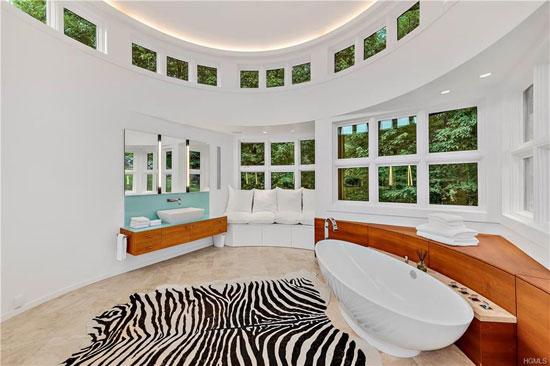 1970s Richard Meier Shamberg House in Mount Kisco, New York, USA