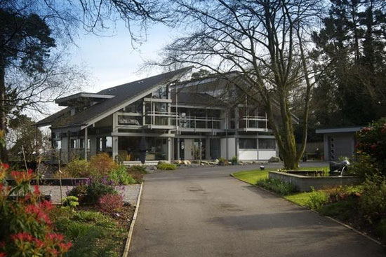 Six-bedroom Huf Haus in Ringwood, Hampshire