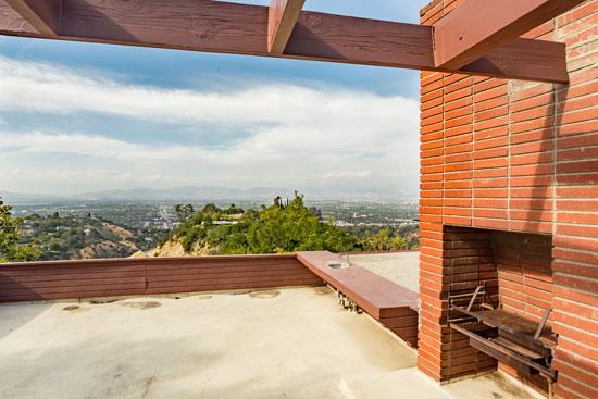 Midcentury rental: 1940s Rodney Walker-designed property in Sherman Oaks, California, USA