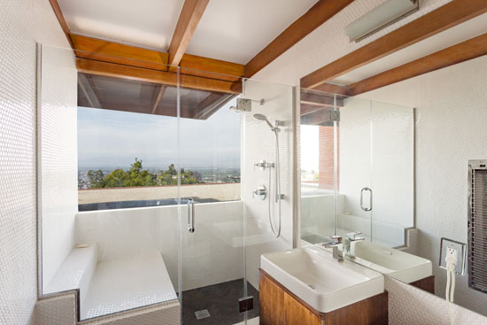 Midcentury rental: 1940s Rodney Walker-designed property in Sherman Oaks, California, USA