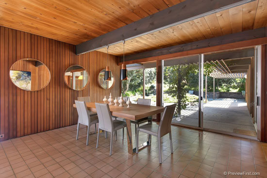 1960s Ronald Davis-designed midcentury property in San Diego, California, USA