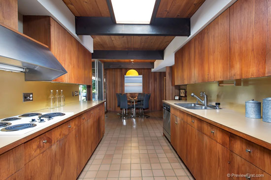 1960s Ronald Davis-designed midcentury property in San Diego, California, USA