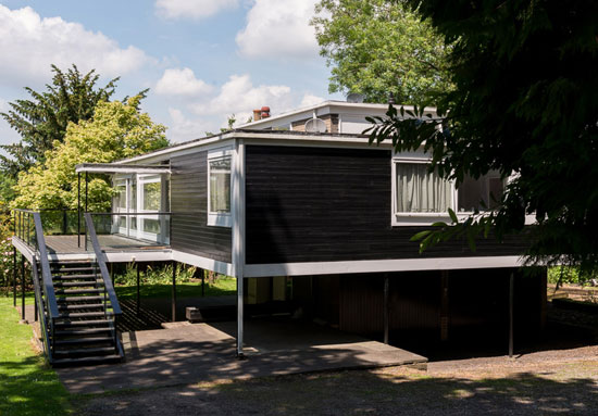 1950s Geoffry Powell-designed The Rossdale House in London N3