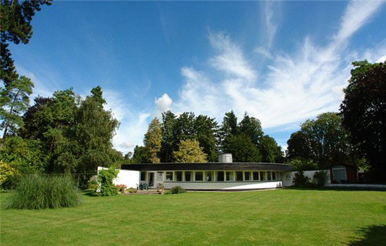 On the market: 1960s Bicknell and Hamilton-designed Jordley curved modernist property in Goring-on-Thames, Oxfordshire