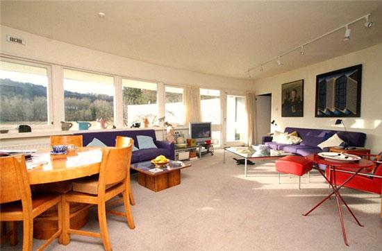 1960s Bicknell and Hamilton-designed Jordley curved modernist property in Goring-on-Thames, Oxfordshire
