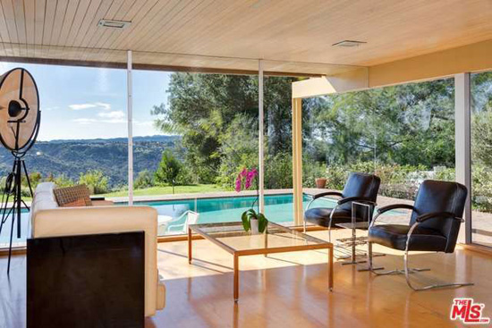 Richard Neutra classic: The Schaarman House in Los Angeles, California, USA