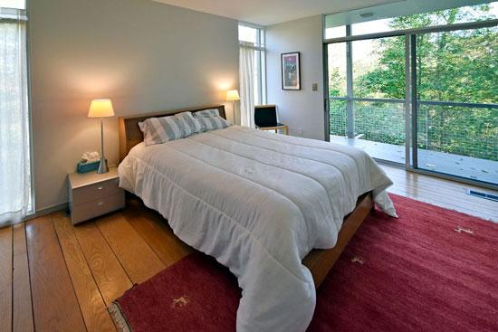 Hillside modernism: 1960s four-bedroom property in Cincinnati, Ohio, USA