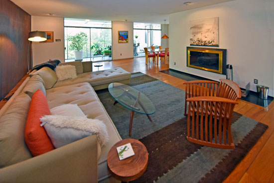 Hillside modernism: 1960s four-bedroom property in Cincinnati, Ohio, USA