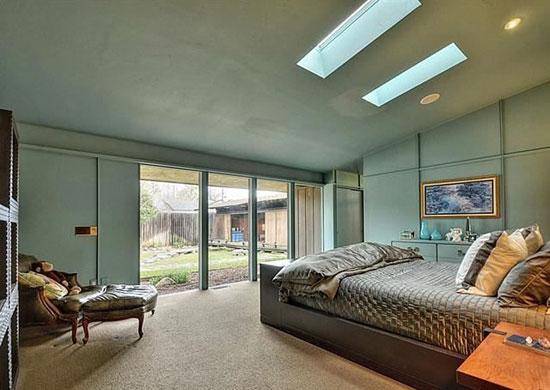 1950s Carter Spark-designed midcentury property in Sacramento, California, USA
